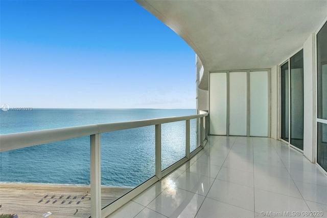 3 Bedrooms, Tatum's Ocean Beach Park Rental in Miami, FL for $5,000 - Photo 2