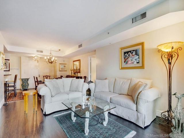 2 Bedrooms, Northeast Coconut Grove Rental in Miami, FL for $4,200 - Photo 2