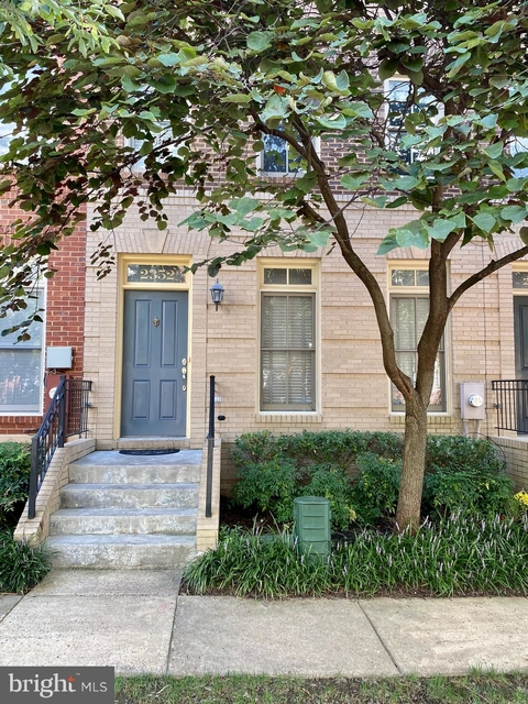 3 Bedrooms, Wheaton - Glenmont Rental in Washington, DC for $2,650 - Photo 1