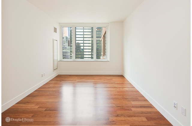 3 Bedrooms, Turtle Bay Rental in NYC for $8,900 - Photo 2
