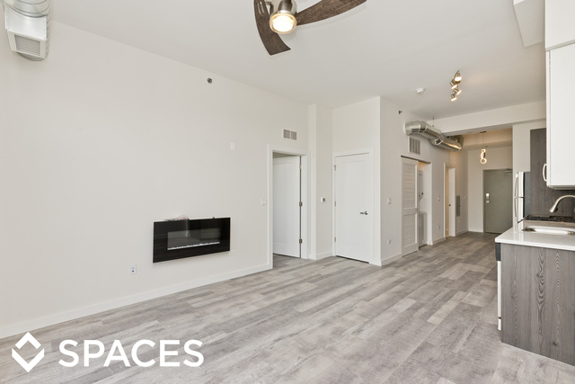 2 Bedrooms, Ravenswood Rental in Chicago, IL for $2,595 - Photo 2