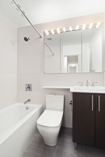 3 Bedrooms, Gramercy Park Rental in NYC for $4,690 - Photo 2