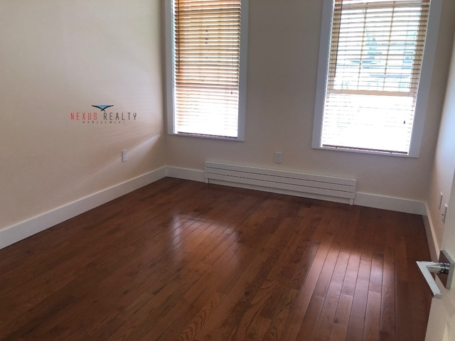 3 Bedrooms, Ditmars Rental in NYC for $3,300 - Photo 2