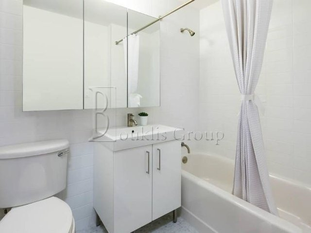 Studio, Financial District Rental in NYC for $1,999 - Photo 2