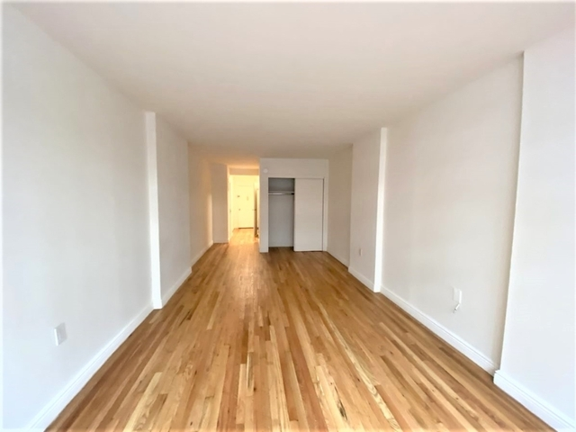 Studio, Gramercy Park Rental in NYC for $2,386 - Photo 2