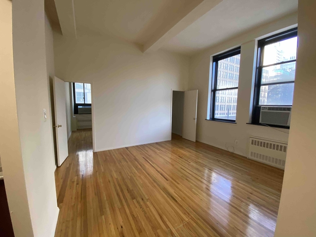 3 Bedrooms, Gramercy Park Rental in NYC for $4,945 - Photo 2