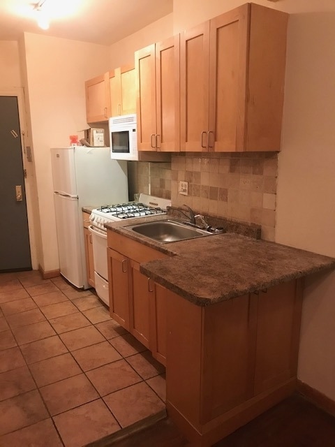 1 Bedroom, Alphabet City Rental in NYC for $1,925 - Photo 2