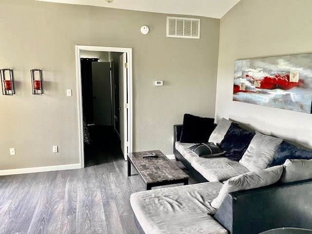 1 Bedroom, Oaks on The Ridge Condominiums Rental in Dallas for $1,050 - Photo 1