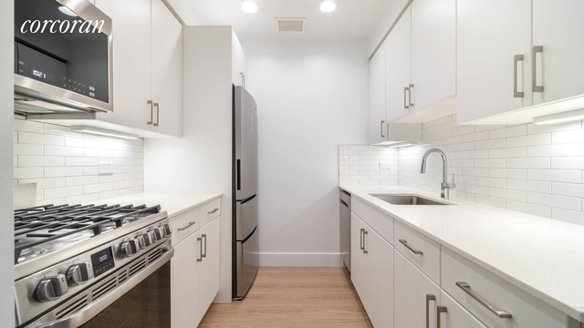 2 Bedrooms, West Village Rental in NYC for $7,234 - Photo 2
