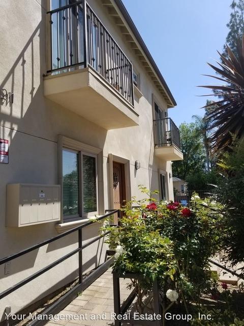 3 Bedrooms, Van Nuys Rental in Los Angeles, CA for $2,795 - Photo 2