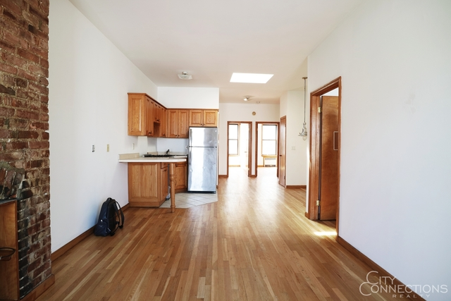 3 Bedrooms, Greenpoint Rental in NYC for $2,999 - Photo 2