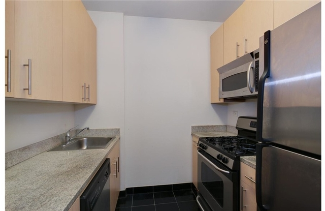 Studio, Financial District Rental in NYC for $1,800 - Photo 2