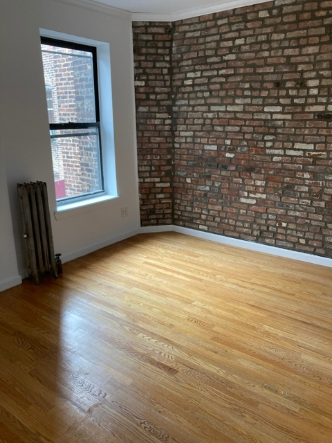 3 Bedrooms, Williamsburg Rental in NYC for $2,295 - Photo 2