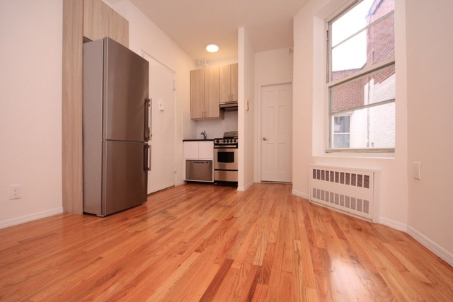 1 Bedroom, Hudson Square Rental in NYC for $2,475 - Photo 2