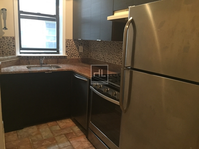2 Bedrooms, Long Island City Rental in NYC for $2,400 - Photo 2