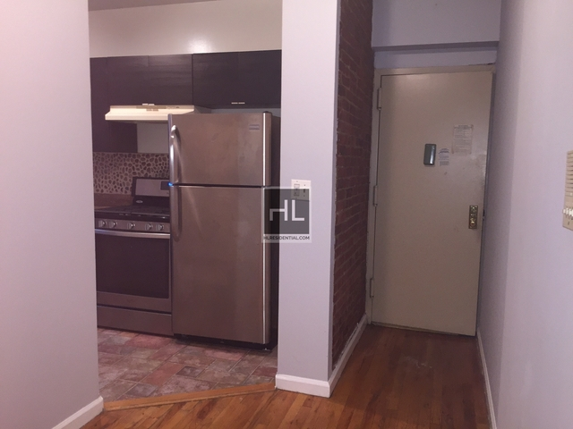 2 Bedrooms, Long Island City Rental in NYC for $2,400 - Photo 1
