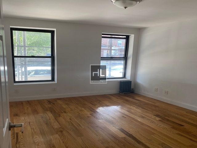 1 Bedroom, Steinway Rental in NYC for $2,050 - Photo 2