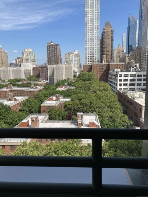 2 Bedrooms, Lincoln Square Rental in NYC for $3,320 - Photo 2
