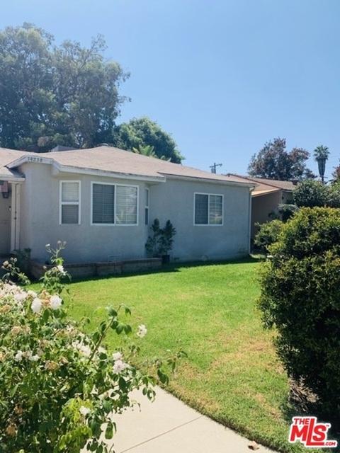2 Bedrooms, Van Nuys Rental in Los Angeles, CA for $2,590 - Photo 1