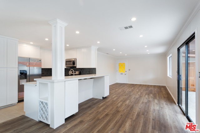 3 Bedrooms, Westchester Rental in Los Angeles, CA for $5,000 - Photo 1