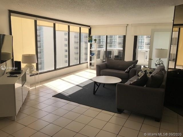 2 Bedrooms, Omni International Rental in Miami, FL for $2,300 - Photo 2