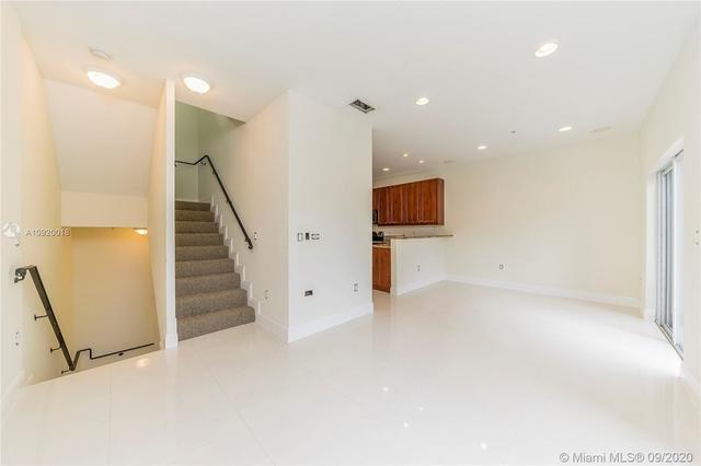 2 Bedrooms, Northeast Coconut Grove Rental in Miami, FL for $2,700 - Photo 2