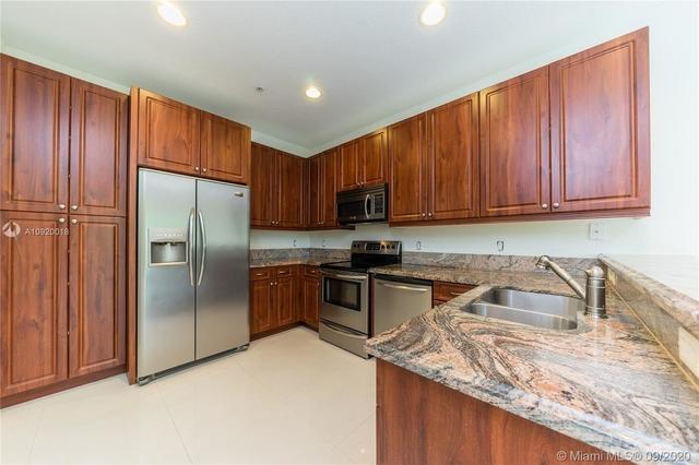 2 Bedrooms, Northeast Coconut Grove Rental in Miami, FL for $2,700 - Photo 1