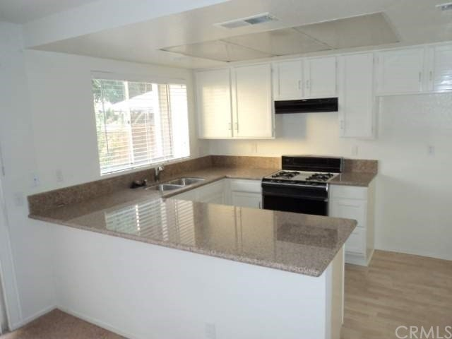 3 Bedrooms, San Bernardino Rental in Los Angeles, CA for $2,300 - Photo 2