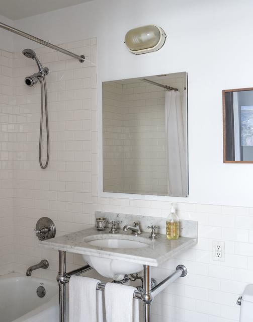 1 Bedroom, DUMBO Rental in NYC for $3,796 - Photo 2