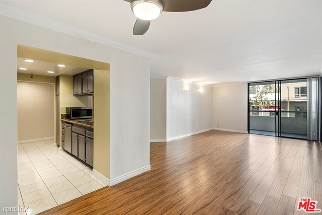 2 Bedrooms, South Park Rental in Los Angeles, CA for $2,750 - Photo 1