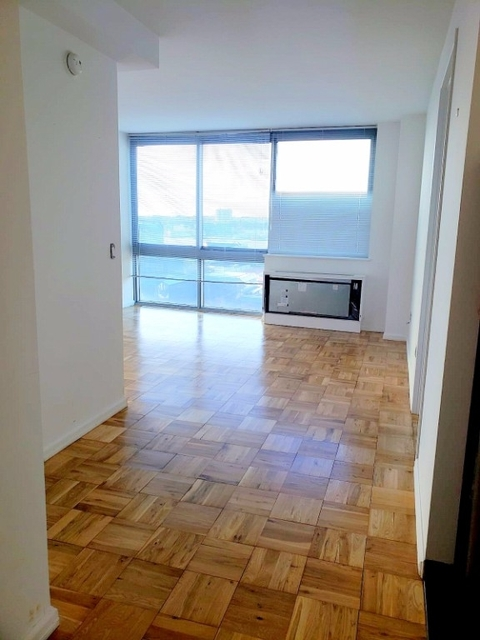 Studio, Hell's Kitchen Rental in NYC for $2,797 - Photo 1