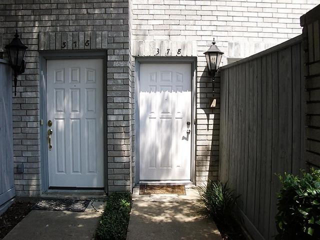 2 Bedrooms, Marlborough Square Condominiums Rental in Houston for $1,450 - Photo 2