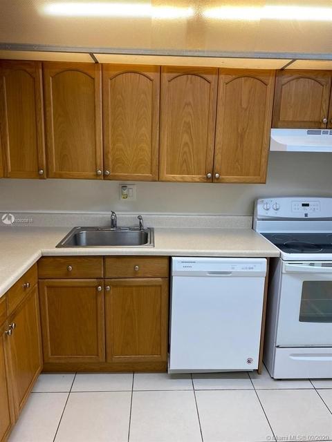 1 Bedroom, Versailles Gardens Condominiums Rental in Miami, FL for $1,200 - Photo 2
