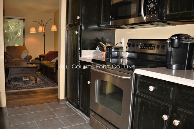4 Bedrooms, Nelson Farm Rental in Fort Collins, CO for $2,200 - Photo 2