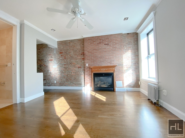 3 Bedrooms, Gramercy Park Rental in NYC for $4,165 - Photo 2