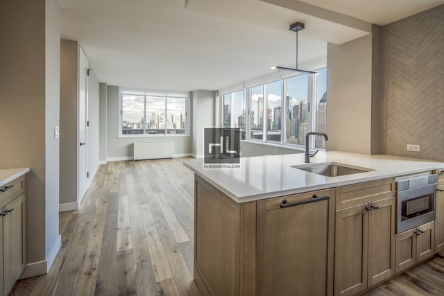 2 Bedrooms, Hell's Kitchen Rental in NYC for $6,085 - Photo 1