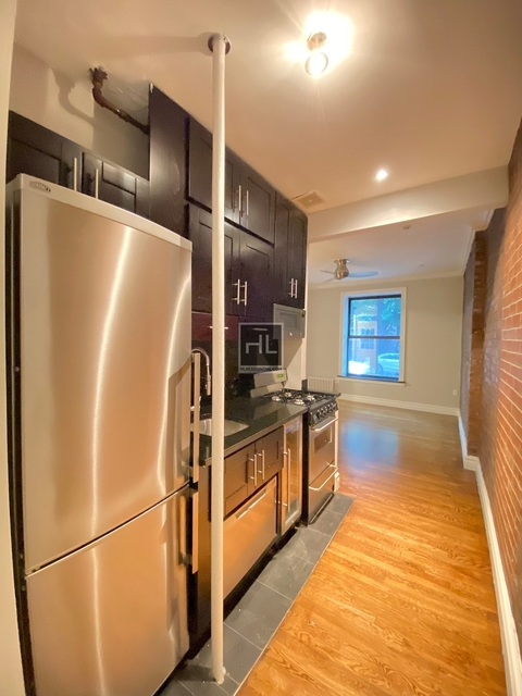 2 Bedrooms, Gramercy Park Rental in NYC for $4,149 - Photo 2