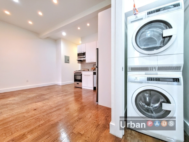 1 Bedroom, Crown Heights Rental in NYC for $2,200 - Photo 2