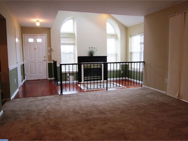 2 Bedrooms, Burlington Rental in Philadelphia, PA for $1,575 - Photo 2