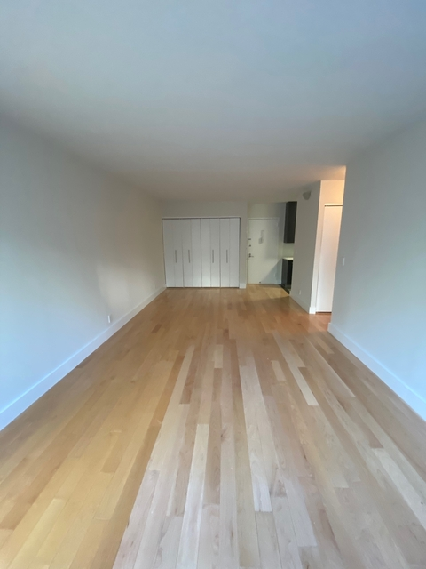1 Bedroom, Hell's Kitchen Rental in NYC for $2,510 - Photo 2