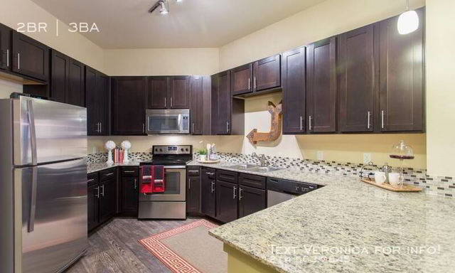 2 Bedrooms, Cultural District Rental in Dallas for $2,380 - Photo 2