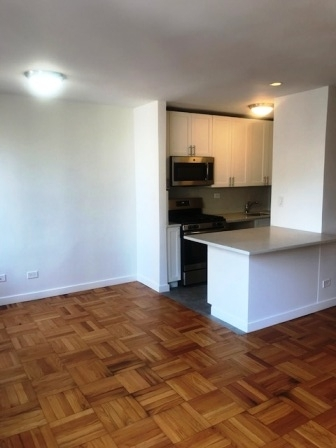 1 Bedroom, Yorkville Rental in NYC for $3,410 - Photo 2