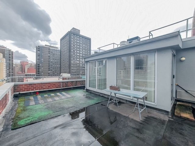 2 Bedrooms, Rose Hill Rental in NYC for $3,083 - Photo 2