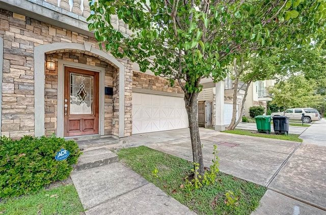 3 Bedrooms, Cottage Grove Rental in Houston for $2,700 - Photo 2