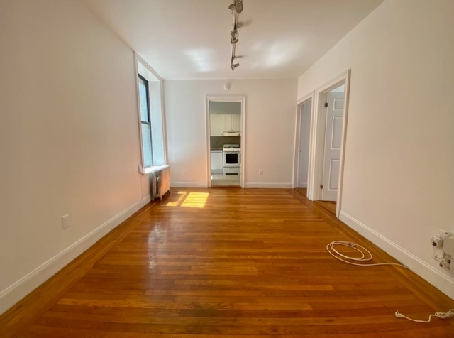 3 Bedrooms, Chelsea Rental in NYC for $4,650 - Photo 1
