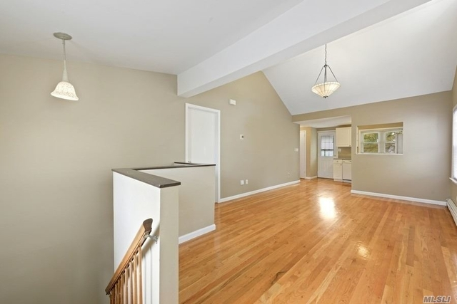 2 Bedrooms, Manorhaven Rental in Long Island, NY for $3,000 - Photo 1