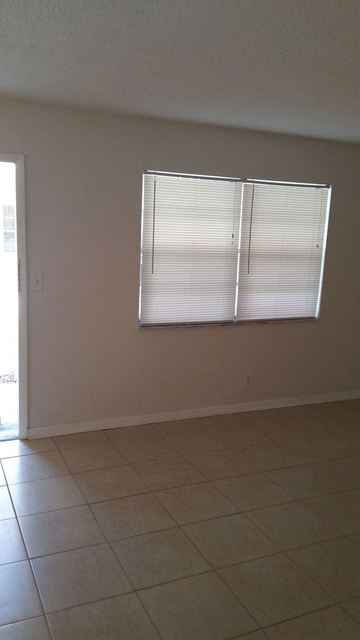 1 Bedroom, North Central Hollywood Rental in Miami, FL for $1,150 - Photo 2