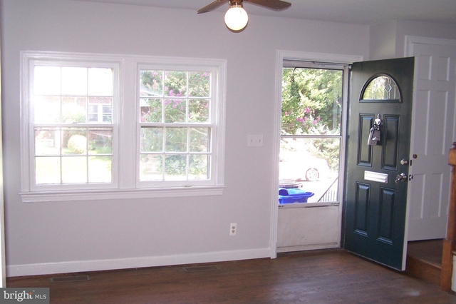 3 Bedrooms, Ballston - Virginia Square Rental in Washington, DC for $3,000 - Photo 2