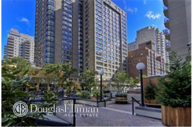 2 Bedrooms, Lincoln Square Rental in NYC for $5,833 - Photo 1