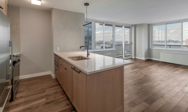 2 Bedrooms, Hell's Kitchen Rental in NYC for $5,488 - Photo 1
